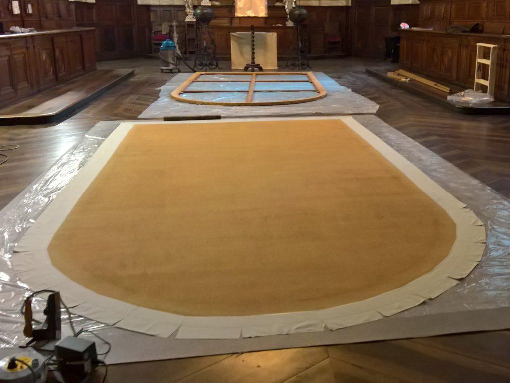 Tecnica dell'edge-lining su dipinto di grandi dimensioni