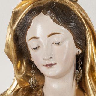 """E' con piacere che vi informiamo che il Progetto della mostra """"Anton Maria Maragliano 1664-1739. Lo spettacolo della scultura in legno a Genova"""" allestita negli spazi espositivi del #museopalazzorealegenova  alla quale abbiamo partecipato con il restauro della Madonna del Rosario di Fubine è rientrato tra i 10 finalisti del premio #artbonus2020  Qui potete vedere il video sul premio con i 10 finalisti: https://youtu.be/1-mT_49Mpfg?t=479 in cui al minuto 7,59 viene mostrato il gruppo scultoreo che è stato oggetto del nostro intervento e di cui trovate un articolo dettagliato alla nostra pagina del sito:https://www.rest-art.biz/2020/04/01/restauro-scultura-lignea-maragliano/"""